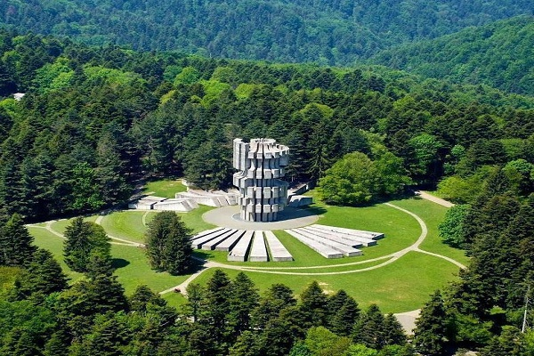 Kozara – Spomenik na Mrakovici